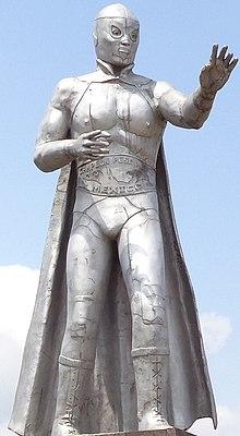 El Santo statuejpg