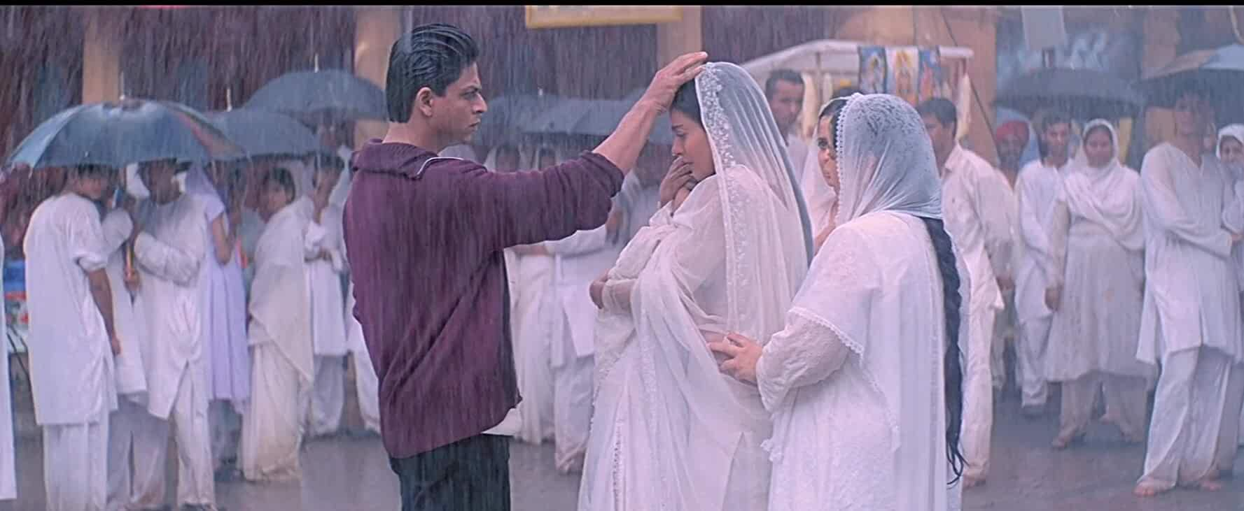 Kajol and Shah Rukh Khan in Kabhi Khushi Kabhie Gham 2001