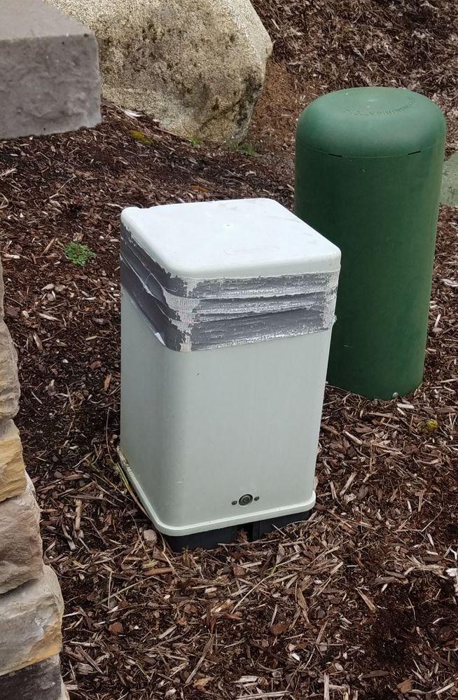 damaged pedestal cover.JPG